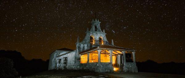 Fotos nocturnas de la Ermita de la Virgen del Castillo